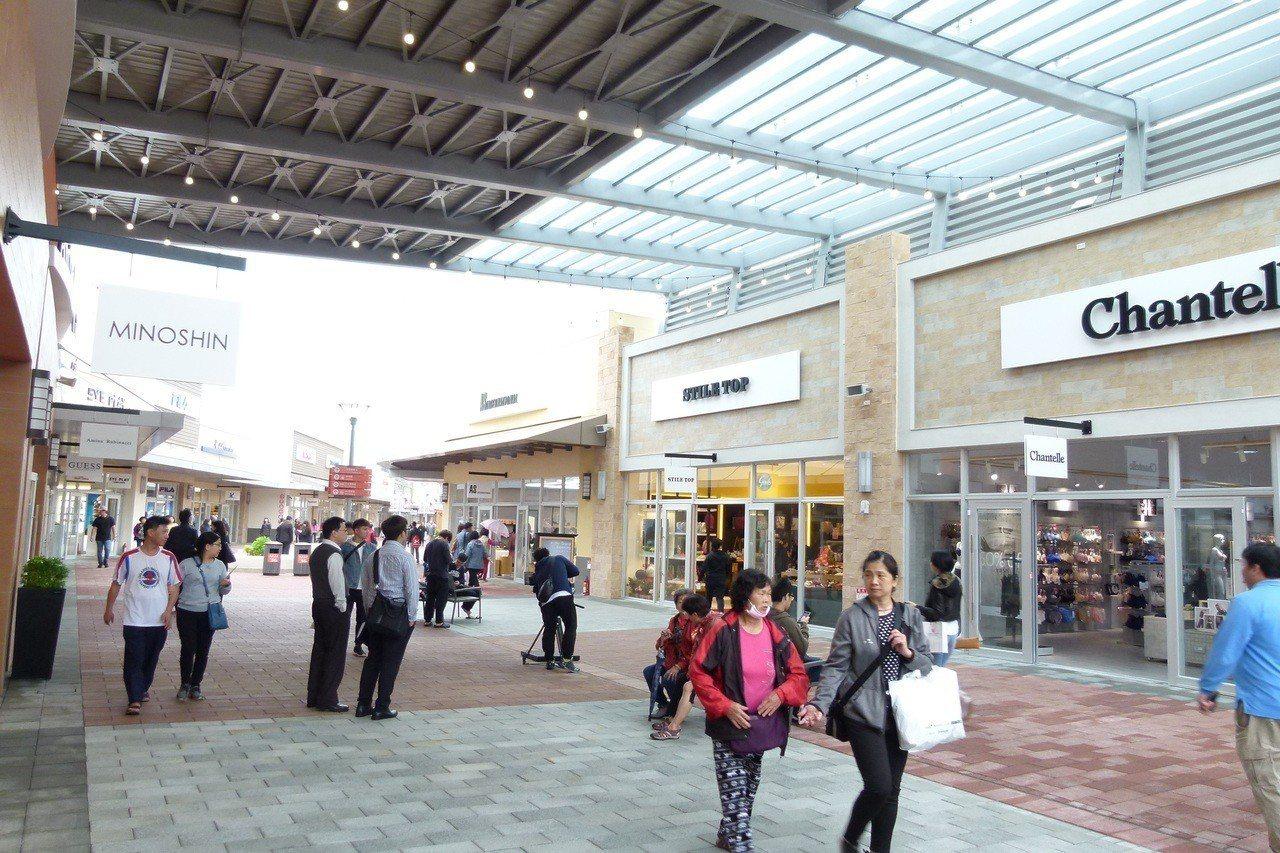 華泰名品城是全台唯一且最大型的美式OUTLET購物城。記者鄭國樑/攝影