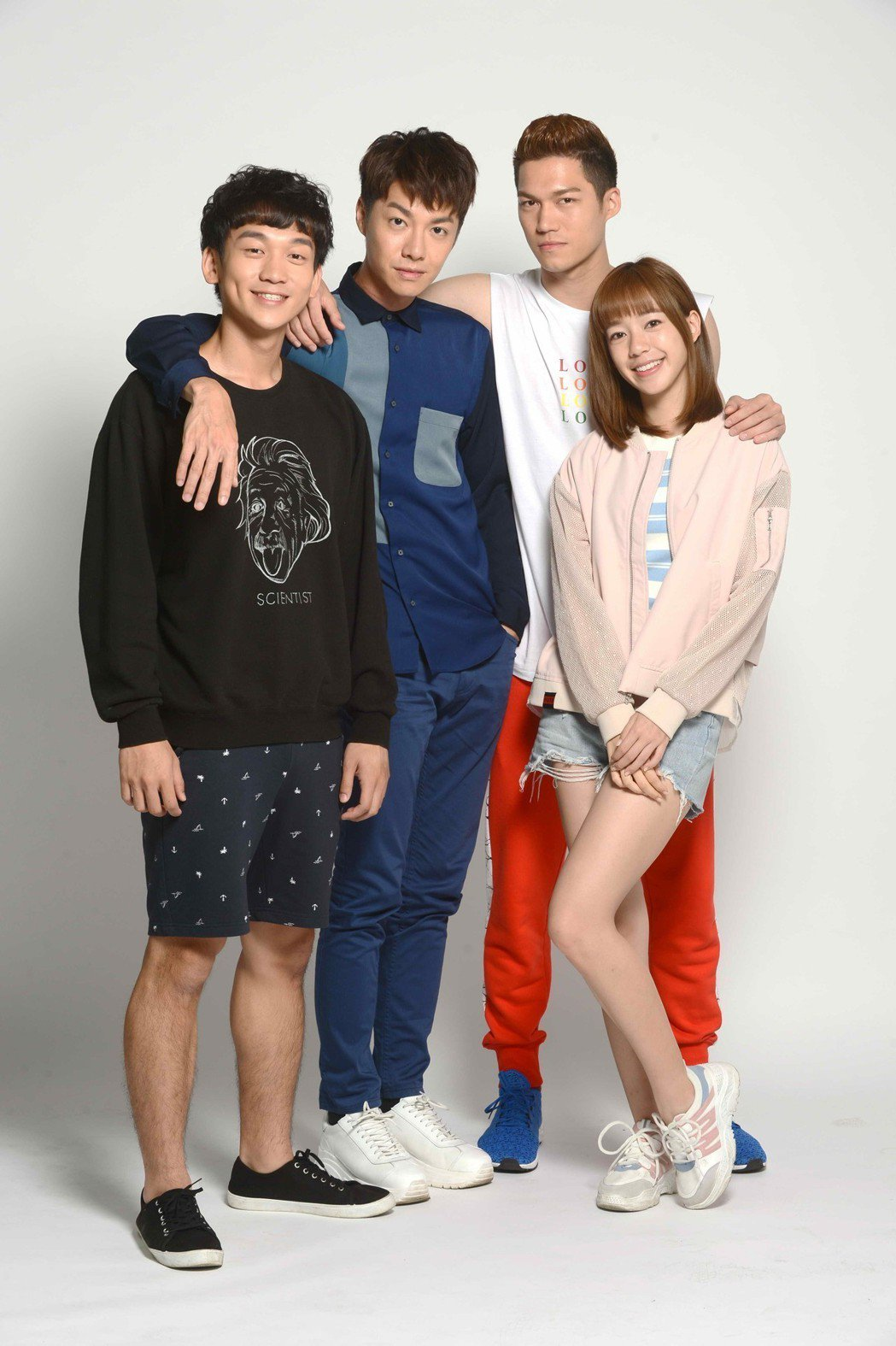 簡劭峰(左起)、陳信維、莊迦漢、陳天仁合作「90後的我們」。圖/八大提供