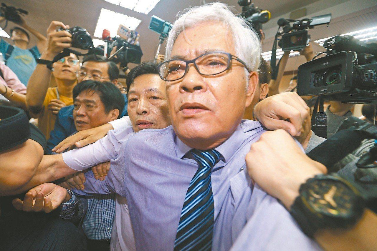 中選會主委被提名人李進勇(圖中)。 聯合報資料照/記者杜建重攝影