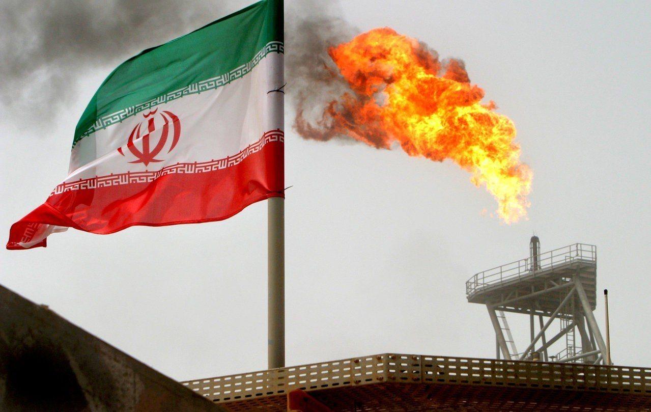 圖為伊朗一處油田。 (路透)