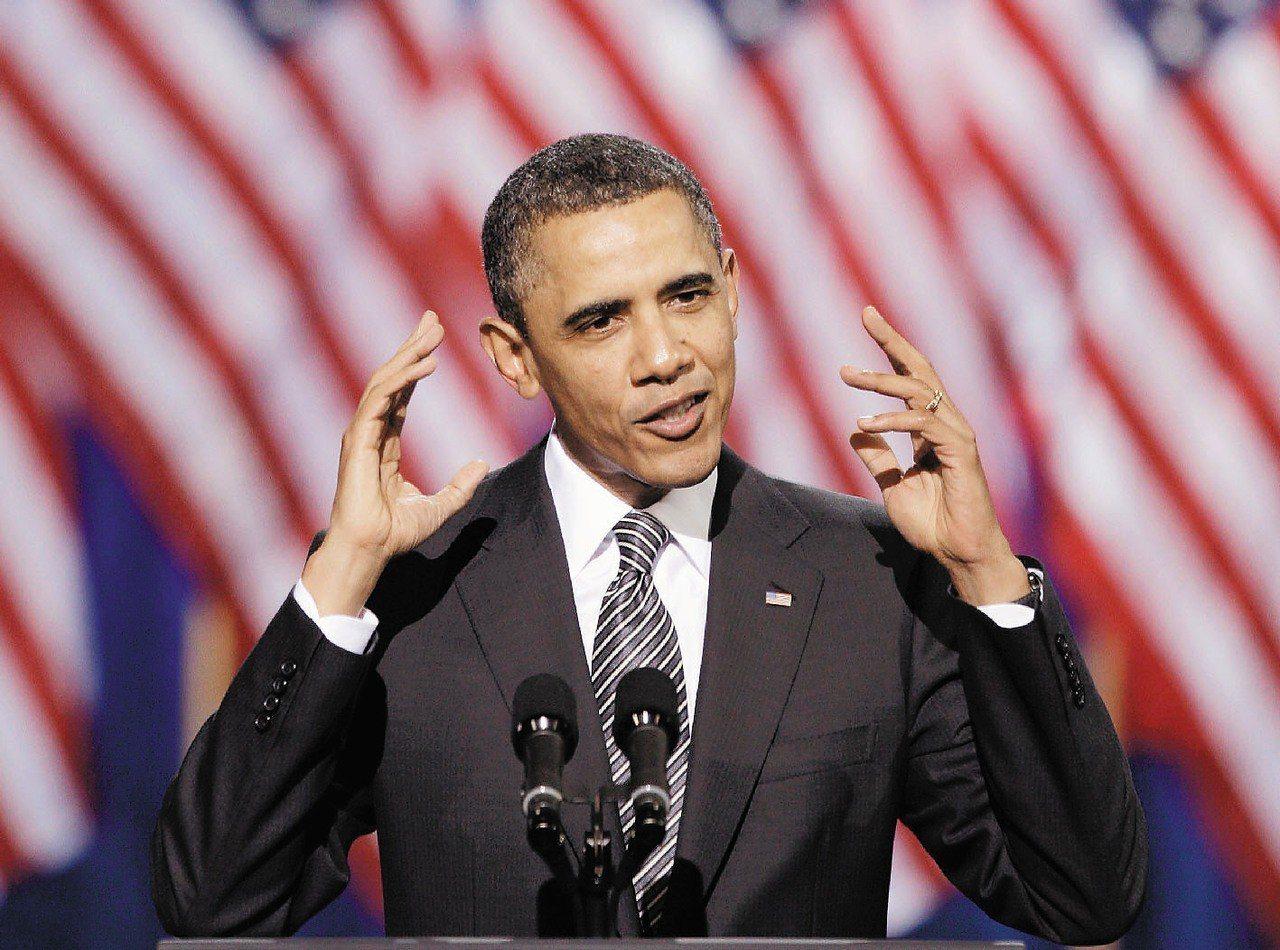 2011年,時任美國總統歐巴馬在募款餐會上演說。 (美聯社)