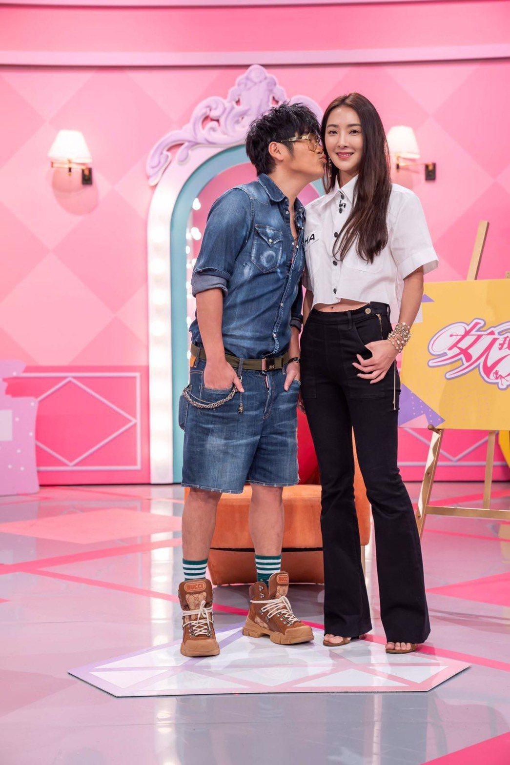 曹格(左)和吳速玲首次夫妻同台上節目。圖/TVBS提供