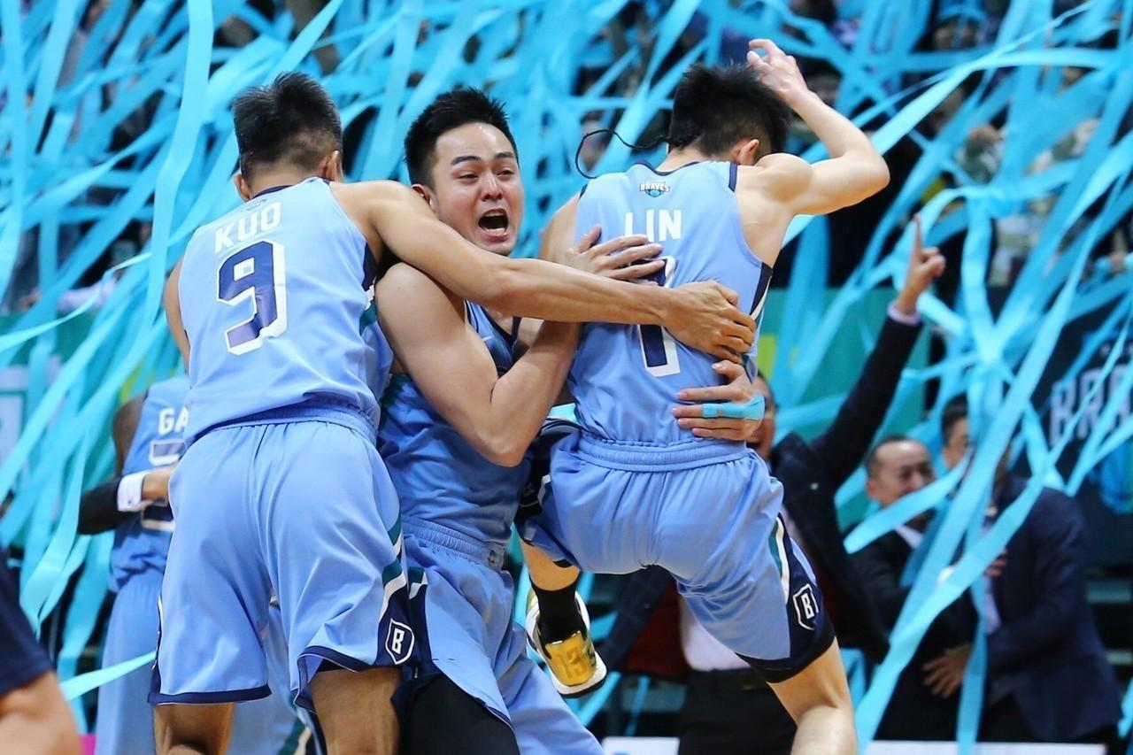 富邦勇士表態不加盟CBL,據悉將另闢戰場、轉戰ABL東南亞職業籃球聯賽。 聯合報...