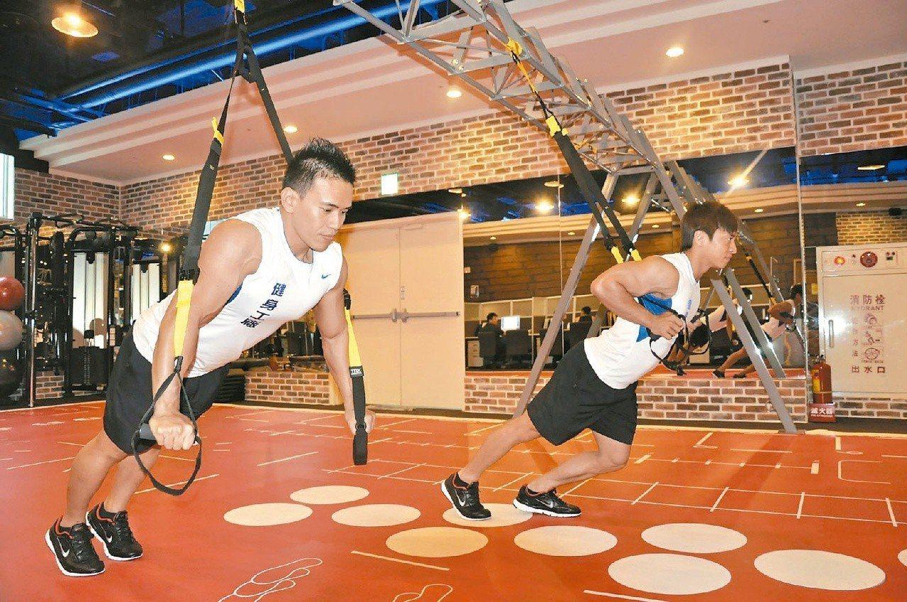 2011年健身工廠揮軍北上,引進全新的健身設備,搭配私人教練與有氧運動等課程。 ...
