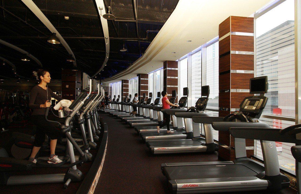 「健身工廠」運動健身房。 報系資料照