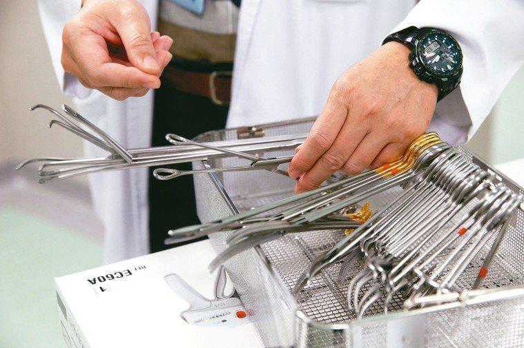 可重複使用的手術器械。 記者邱德祥/攝影