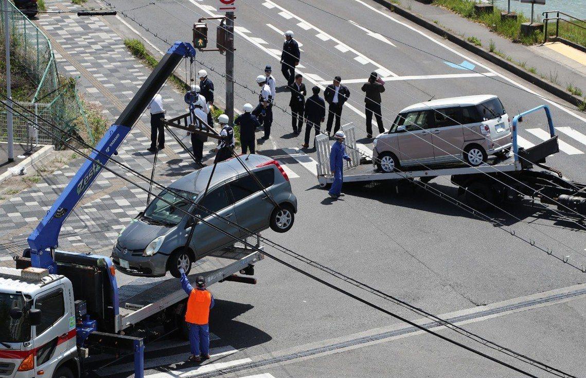 車禍發生於日本時間8日上午10點15分左右,在滋賀縣大津市琵琶湖週遭的近江大橋南...