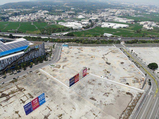 「夢幻誠」占地7656多坪,未來將結合住宅、商場。 圖/興富發夢幻誠 提供