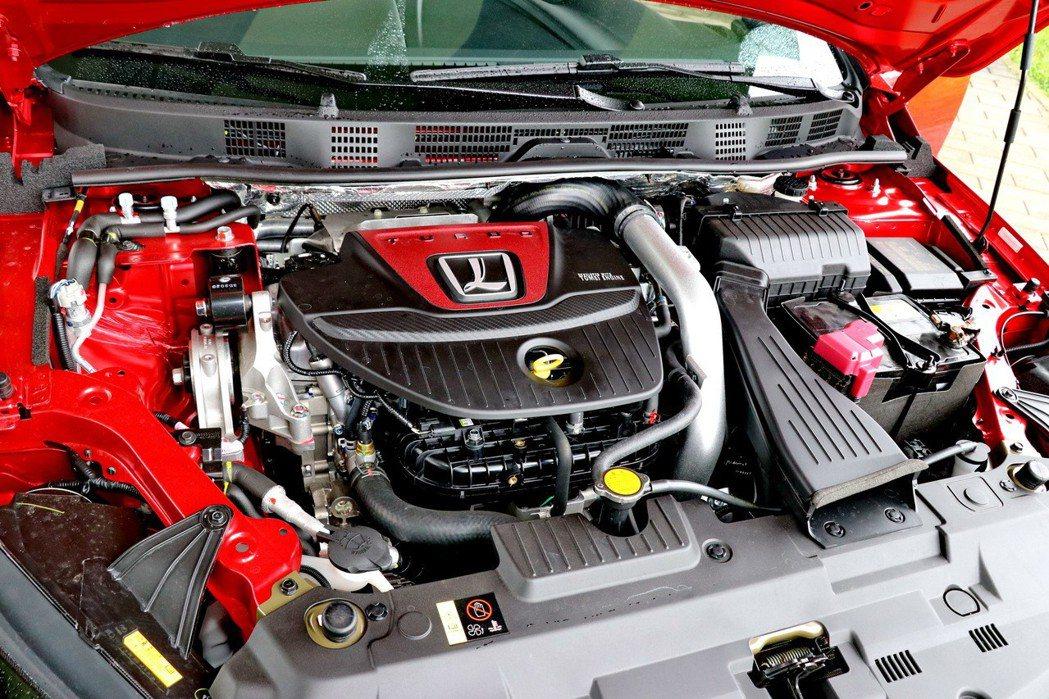 1.8升四缸雙渦流渦輪增壓引擎。 記者陳威任/攝影