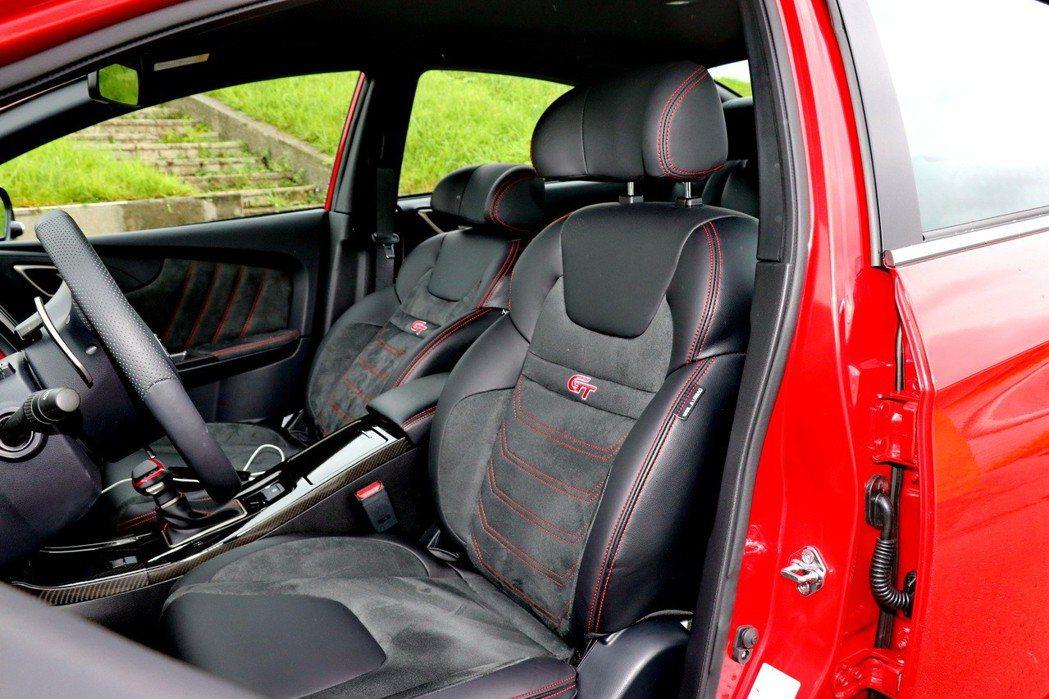 全車的座椅設定都相當夠水準。 記者陳威任/攝影