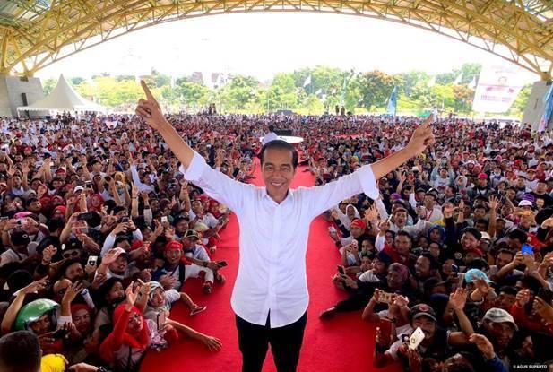 圖1:印尼現任總統佐科威在競選連任時遭遇嚴重挑戰 (圖片來源:https://w...