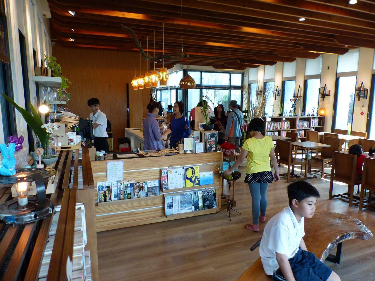 「借的書比賣的多」 稻田裡獨立書店暫熄燈 | 消費生活 | 產業 | 經濟日報