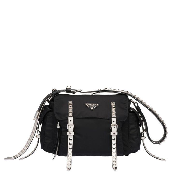 鉚釘裝飾經典尼龍肩背包,58,500元。圖/Prada提供