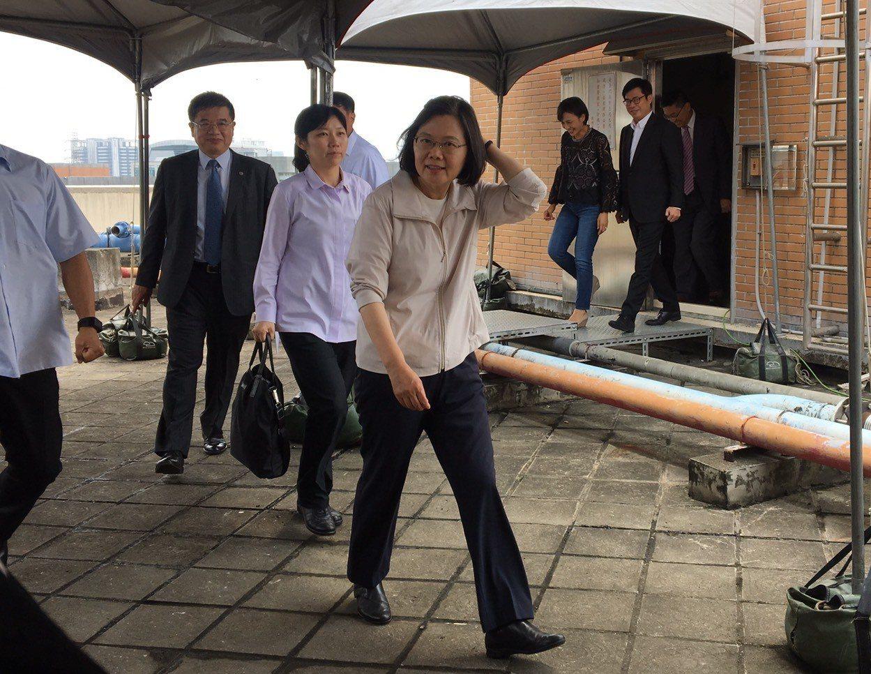 蔡總統下午到高雄視察「高雄新市鎮開發為科學園區進度報告」。記者周佑政/攝影