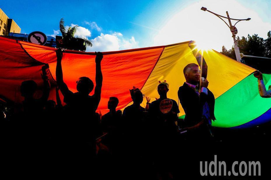 婚姻平權大平台號召民眾14、17日到立院,一起關注同婚法案的歷史時刻。本報資料照片