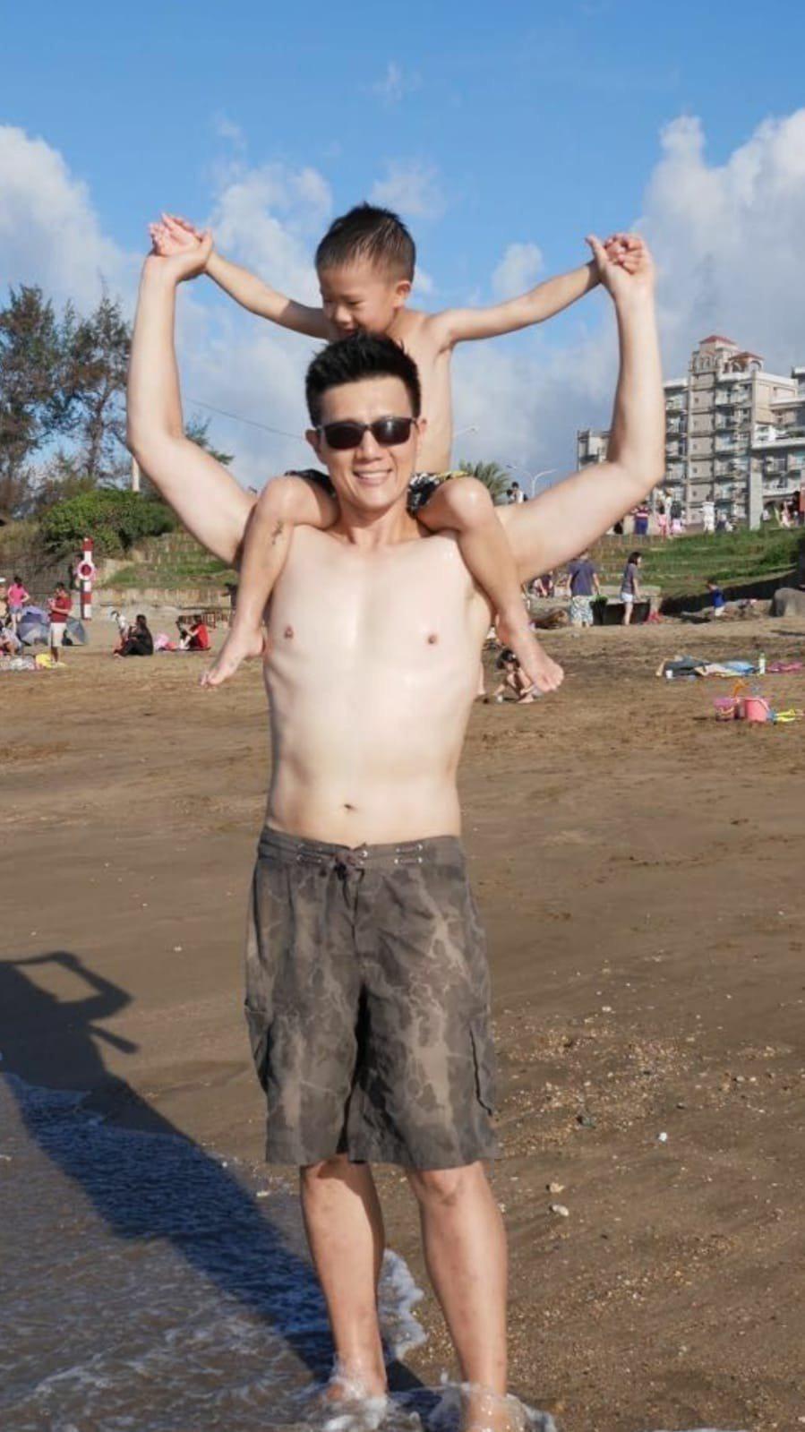 47歲的蔣偉文回愎到過去的好身材。圖/蔣偉文提供