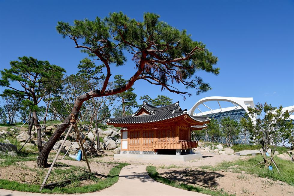 將傳統建物與植物相結合的主題園(思索庭園)。圖/擷取自首爾市政府官網