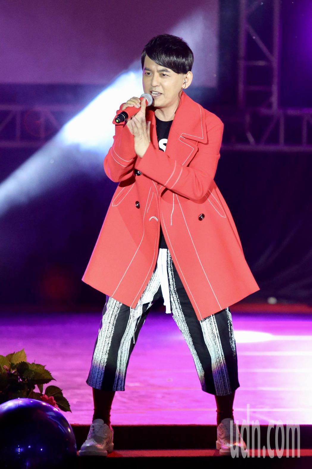 2018臺北國際護師節公益演唱會晚上將在榮總醫院舉行,黃子佼上台獻唱。記者林伯東...
