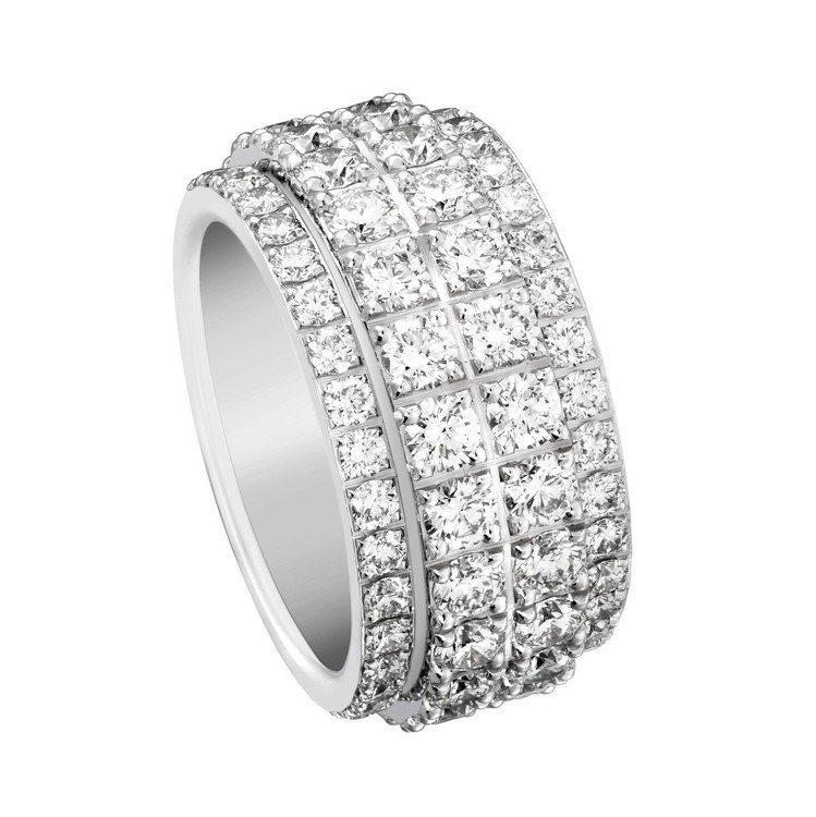 Possession 系列指環,18K白金鑲嵌112顆圓形鑽石共約5.44克拉,...