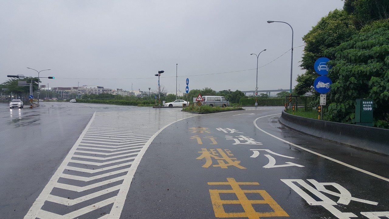 台72線東西向快速公路後龍起點在鄰近市區的台1線,差了約3公里無法與台61線西濱...