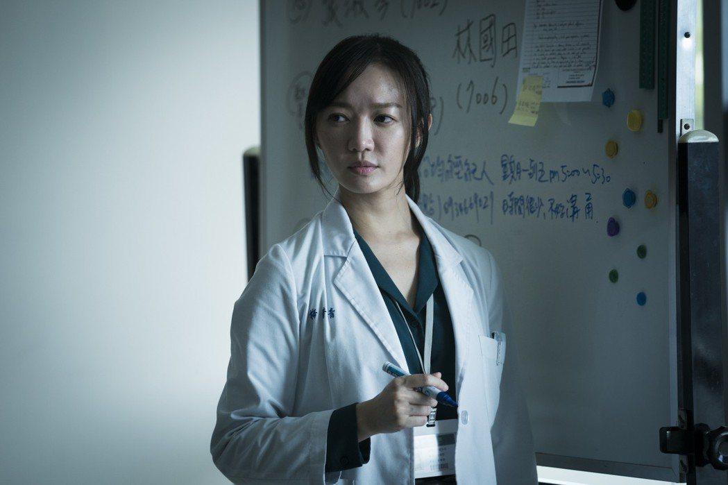 李杏曝拍「生死接線員」每天在醫院看到景象沉重且糾結。圖/friDay影音提供