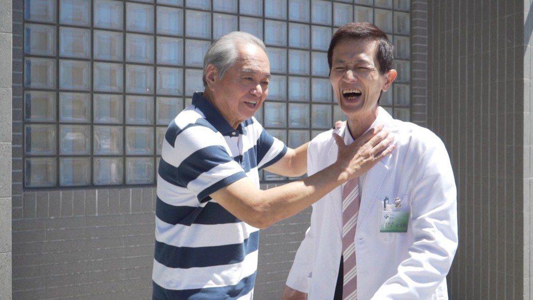 陳博正(右)、陶傳正老友相見歡。圖/歐銻銻娛樂提供