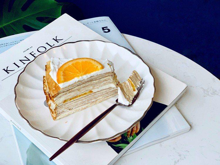 新口味「橙花香丁千層蛋糕」,切片組合售價490元。記者張芳瑜/攝影