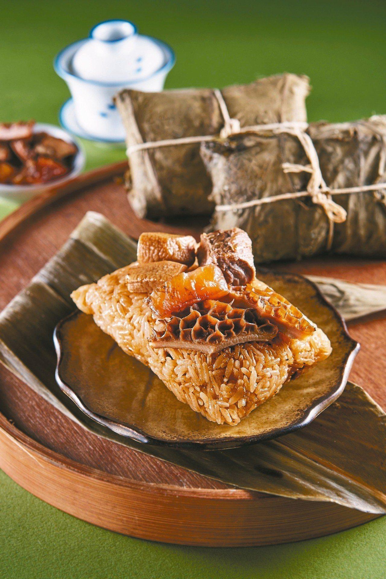新東陽新品「杏福牛三寶粽」充滿濃厚台灣味,每顆售價220元,5/20前享預購價2...