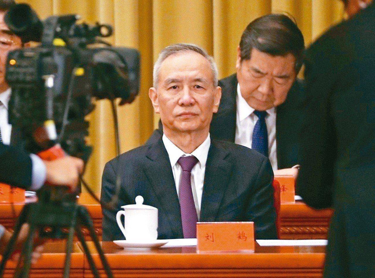 中國大陸副總理劉鶴(圖)今天率團抵達華府,展開第十一輪美中貿易談判,雙方談判代表...