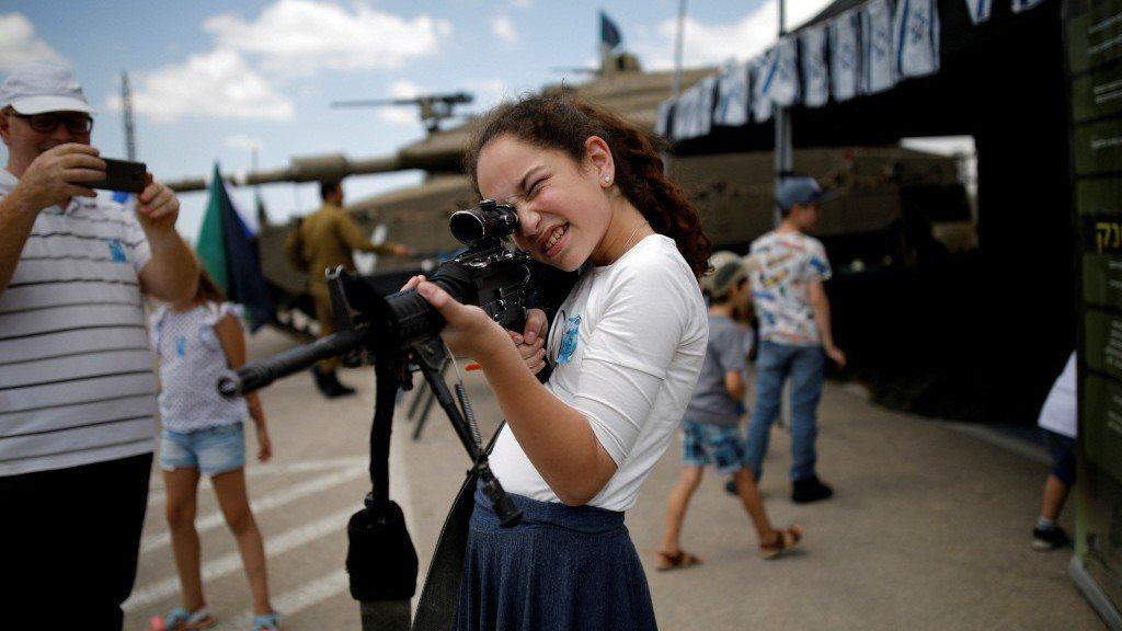 以色列不分男女,都要當兵。即便是在烽火滿天的國度,創新仍是社會裡的日常。 路...