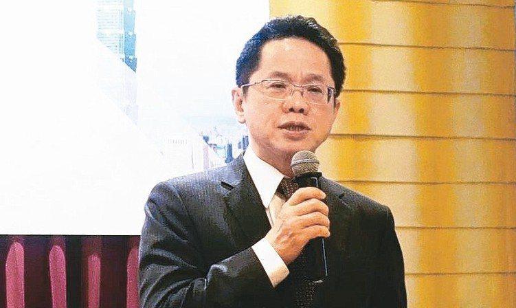 證交所總經理簡立忠表示,那斯達克市場與台灣市場同具科技業群聚的屬性,促成雙邊市場...