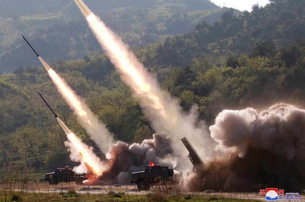 北韓昨天在領導人金正恩監督下,不到一週內第2度試射武器。 美聯社