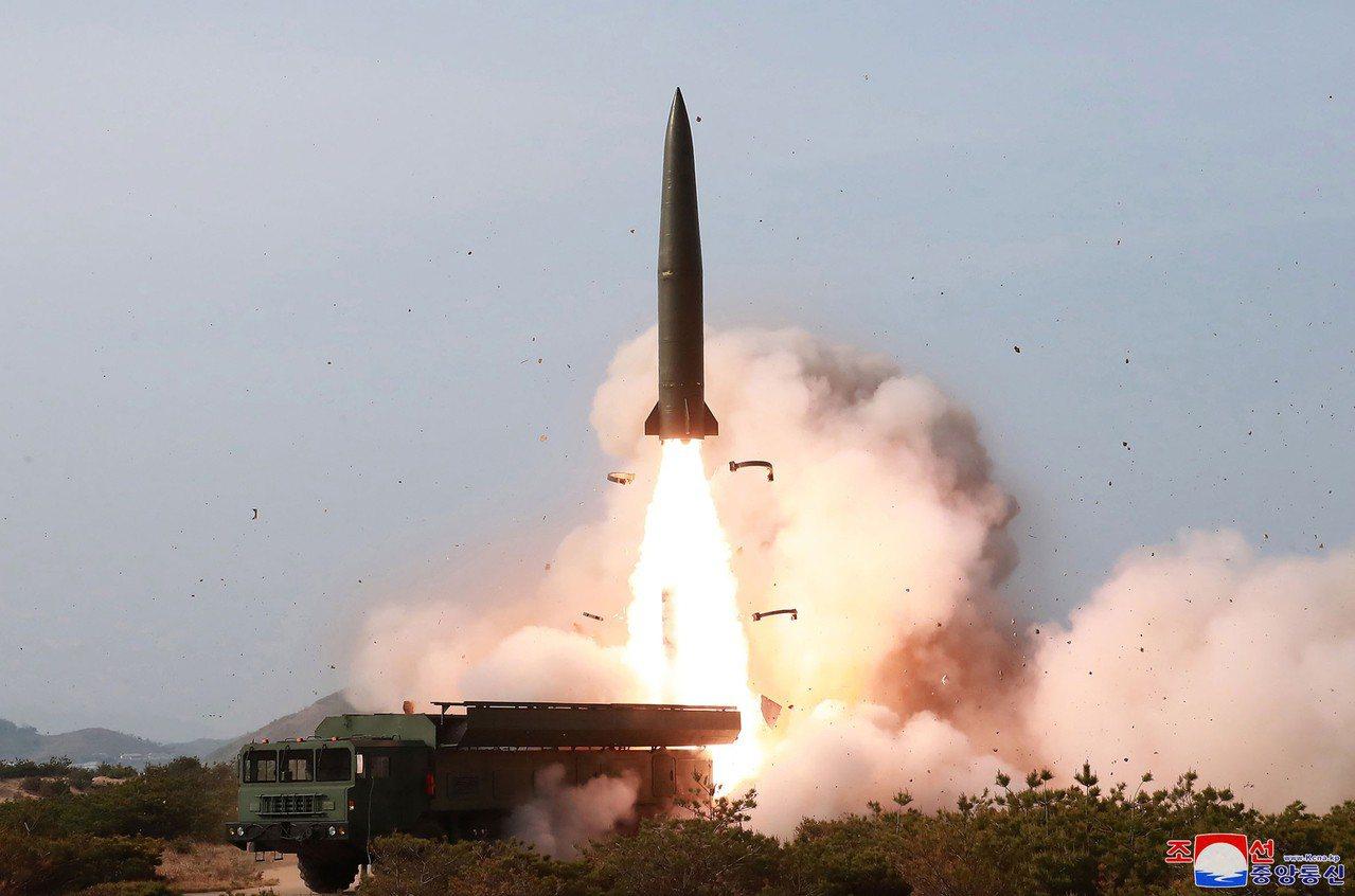 北韓9日發射的不明飛行物,韓美共同界定的結論是短程飛彈。圖為北韓2019年5月4...