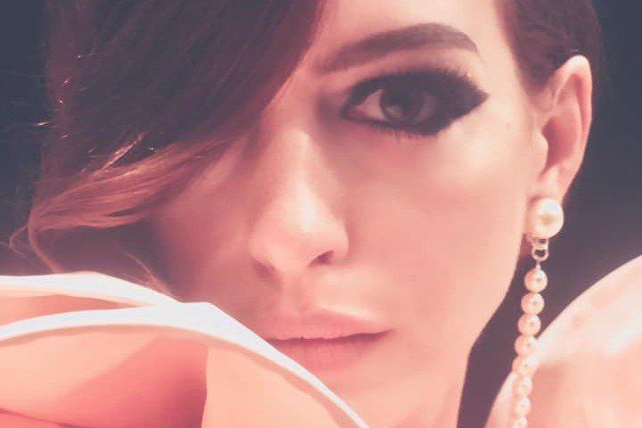 女星安海瑟薇(Anne Hathaway)今天名留好萊塢星光大道(Hollywood Walk of Fame),獲得專屬星星,同時宣傳她的新片「詐騙女神」(The Hustle)。法新社報導,36...