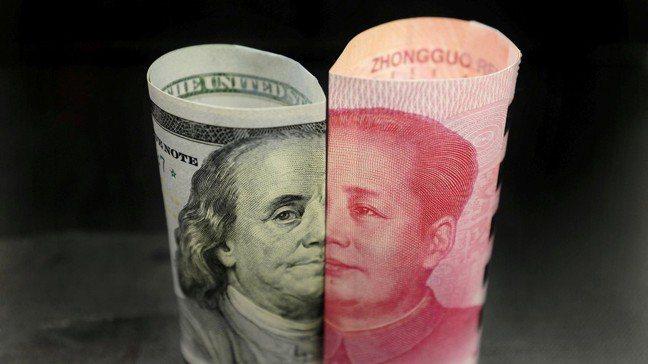 人民幣貶值雖然是中國的貿易戰武器,但將導致資金外流。圖/路透