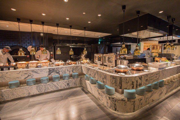 歷經69天的封店改裝,漢來海港台中店於5月9日重新開幕。圖/漢來海港提供