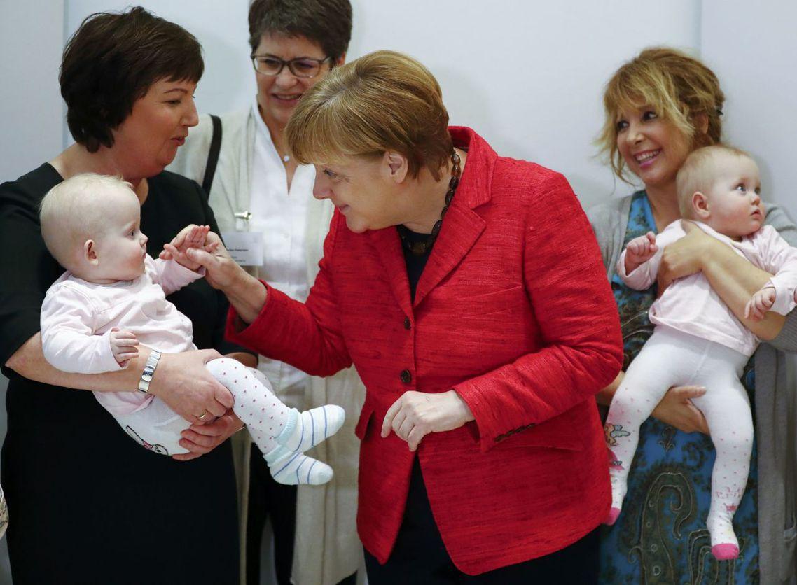 在養生與送死之間,德國婦女所遭遇的社會困境,背後正反映了聯邦政府在面對高齡少子化...