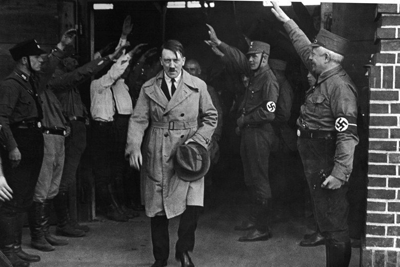 德國上自總統下至各大政黨,鮮有決心要捍衛民主的政治家。圖為1931年正在政壇崛起...