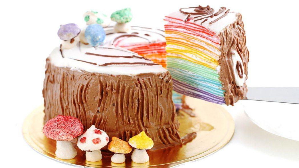 超夯甜點千層蛋糕的正確吃法 圖片來源/截圖自youtube