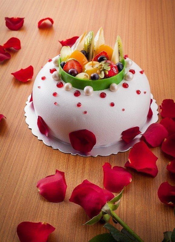 北海道奶油水果蜂蜜蛋糕,口感細緻,風味清爽,香氣足。 礁溪長榮鳳凰酒店/提供