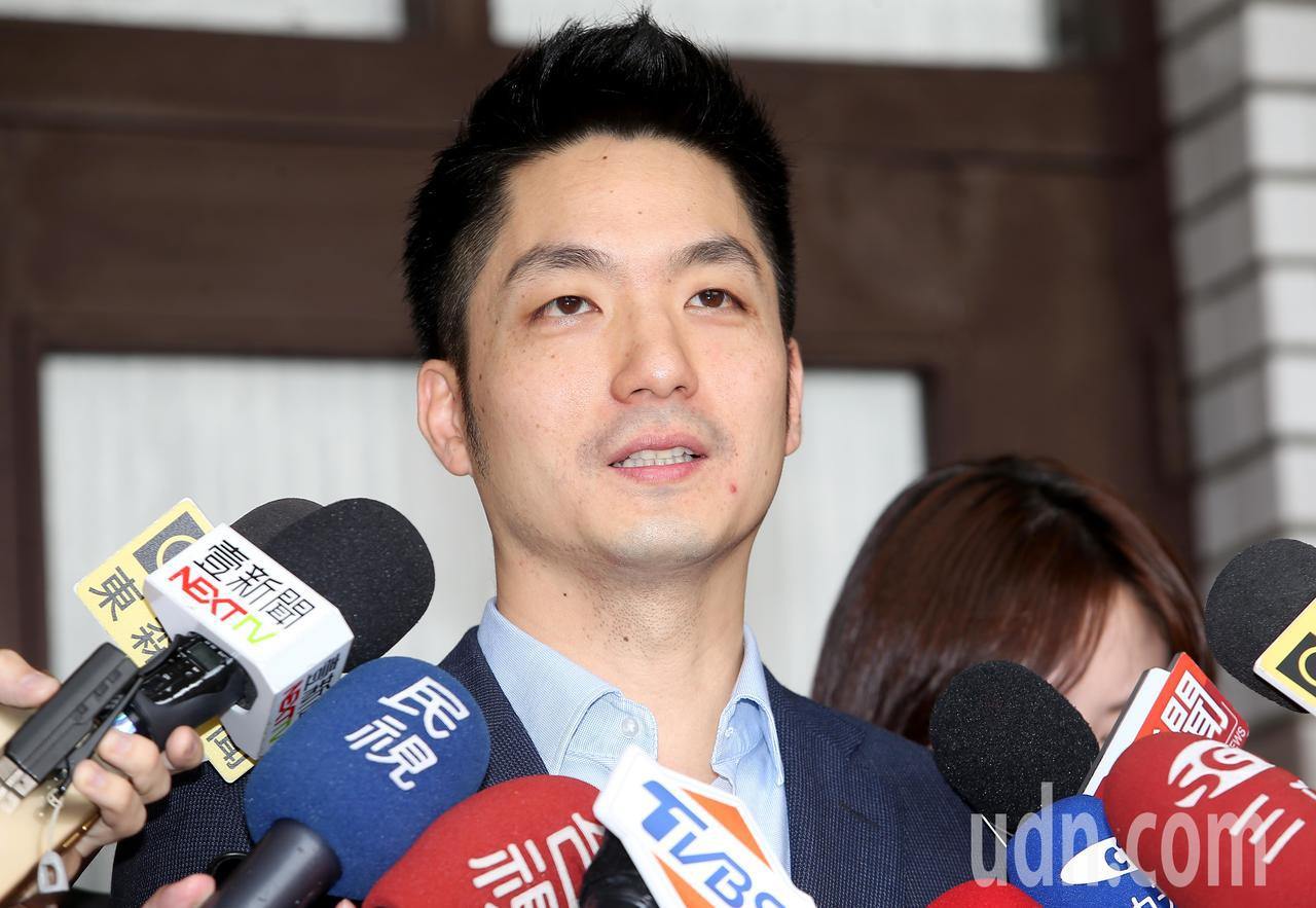 國民黨立委蔣萬安上午在立法院受訪時表示,還是有很多真正的韓粉是很理性,給予他溫暖...