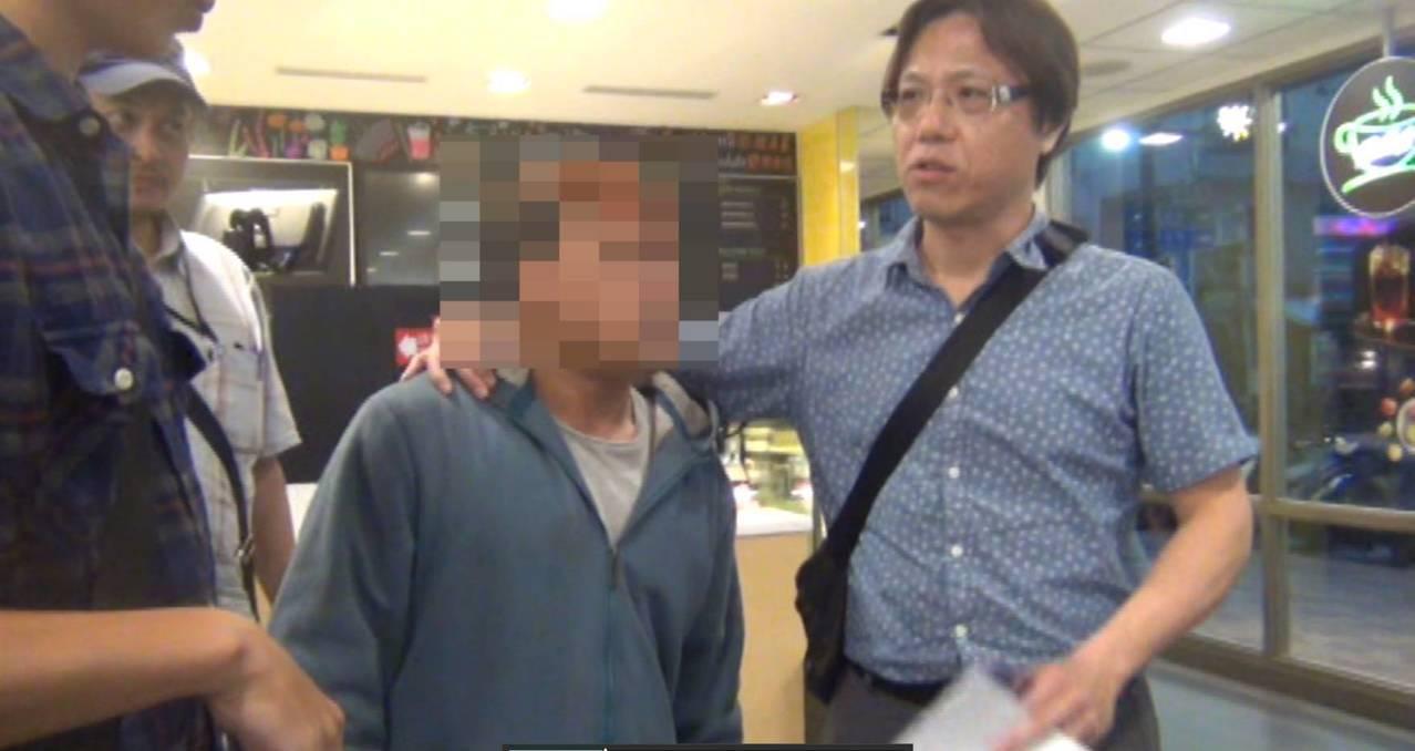 台東縣分局破獲「家族式」詐欺集團,梁姓首腦被警方逮捕偵辦。記者尤聰光/翻攝