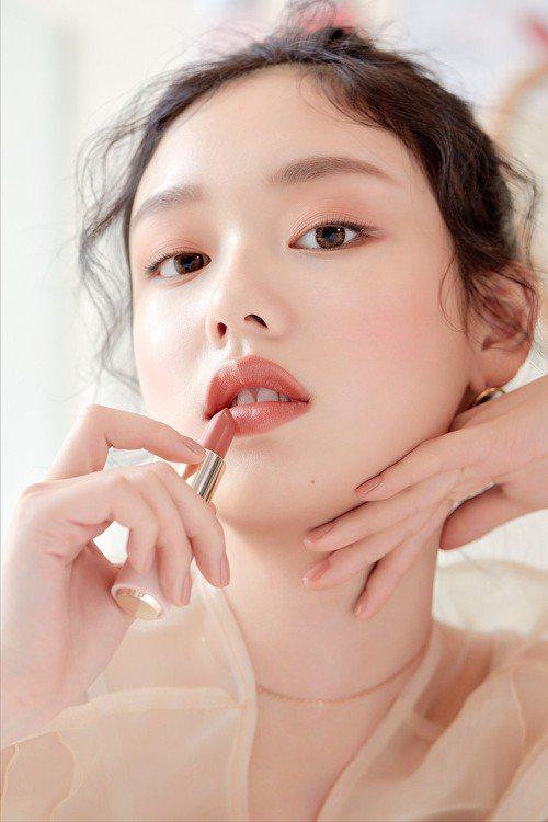 為讓愛美女性更加清楚適合自己的唇膏顏色,ETUDE HOUSE將韓國的膚色檢測系...