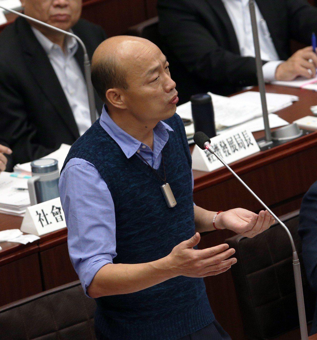 高雄市長韓國瑜這個月和下個月夜宿都要更貼近弱勢基層。記者劉學聖/攝影