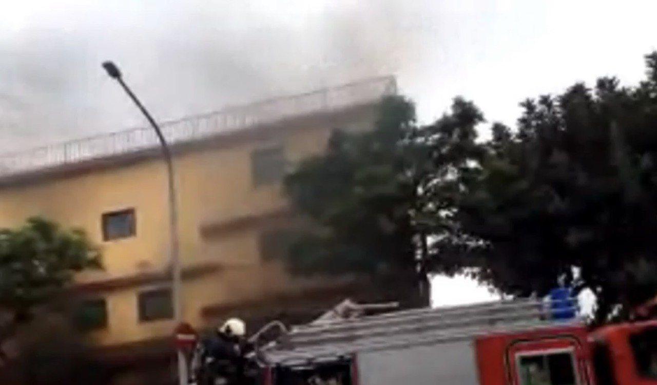 護國禪寺今起火,幸好無人員傷亡。記者蕭雅娟/翻攝