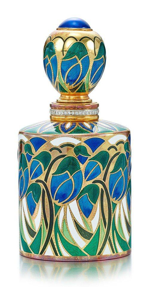 Asprey琺瑯彩配玻璃及鑽石香水瓶,估價94,000元起。圖/蘇富比提供