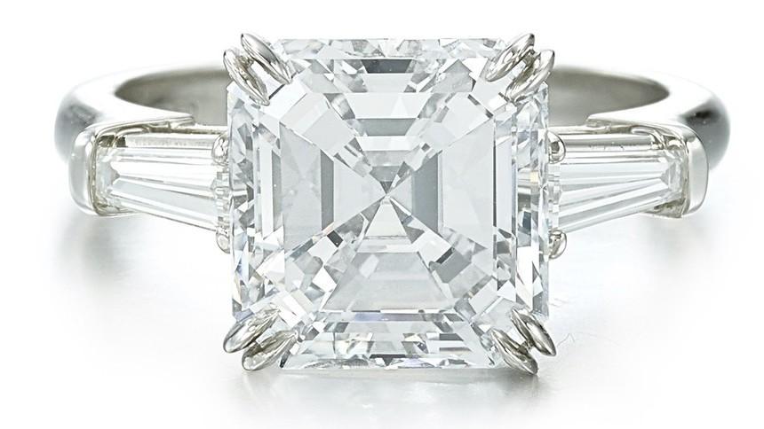 4.70克拉無瑕(IF)鑽石戒指,估價268萬元起。圖/蘇富比提供