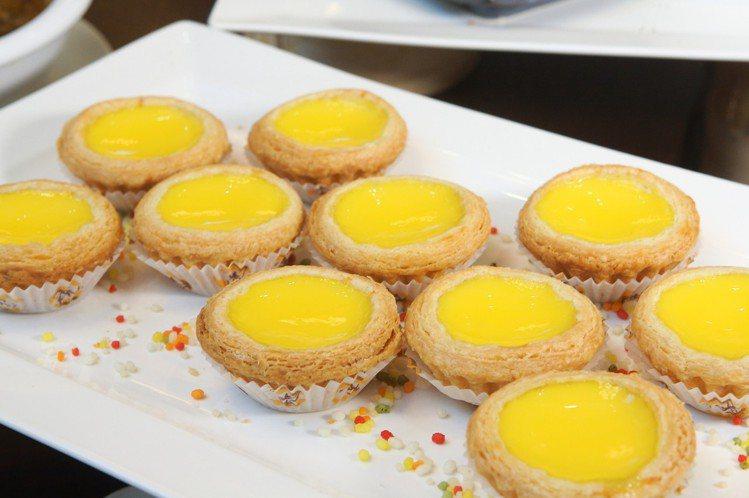 檀島最招牌的蛋撻,共計有192層酥皮,口感酥脆。記者陳睿中/攝影