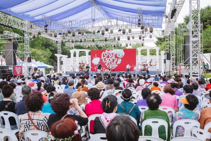 活動期間,也會舉行音樂會等慶典活動。圖/擷取自韓國觀光公社官網