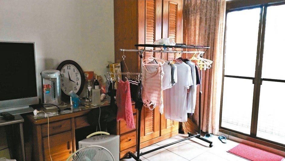 梅雨季時,「除濕機」成了許多家庭必備的電器用品。 圖╱周麗美提供